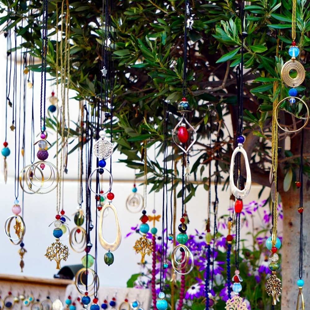 00-multicolor-jewelry-tree-athens-DSC00414A